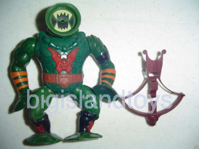 Masters of the Universe Series 4 1985   Leech Unpainted shoulder  Maroon Bow