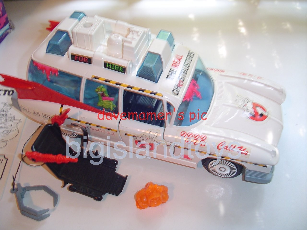 Real Ghostbusters Vehicles   ECTO-1A Ambulance with Swiveling Blaster Seat
