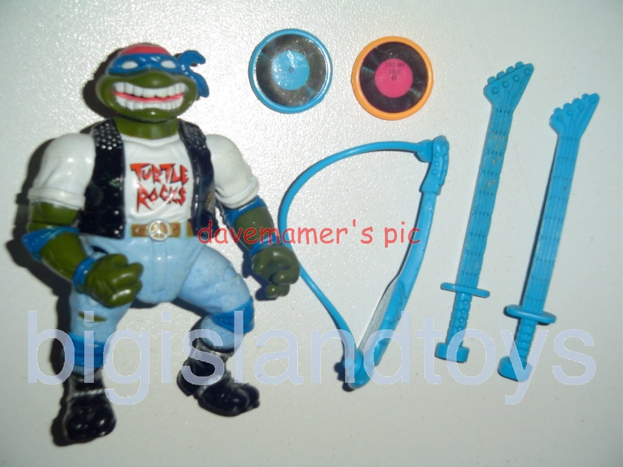 Teenage Mutant Ninja Turtles 1991 Figures   Classic Rocker Leo